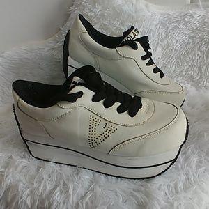 ed79dbc564f1 Women s 90s Platform Sneakers on Poshmark